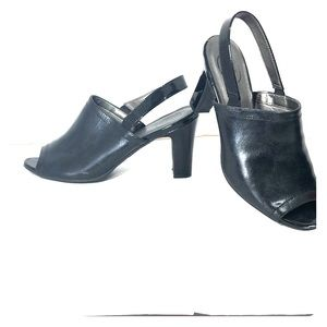 Life Stride black leather, patent sandals